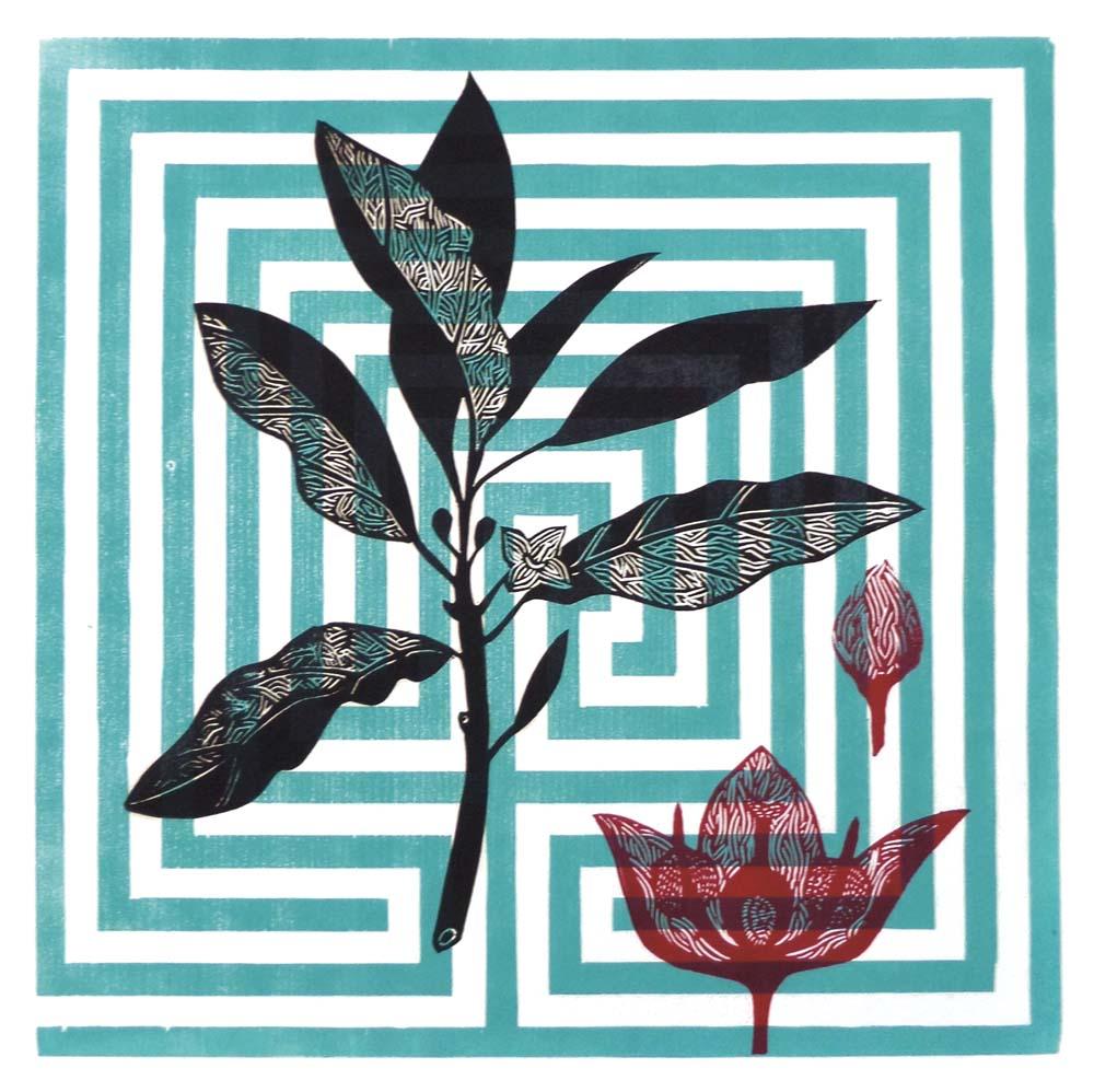 Zweig und Blütenstand, Hintergrund kretisches Labyrinth
