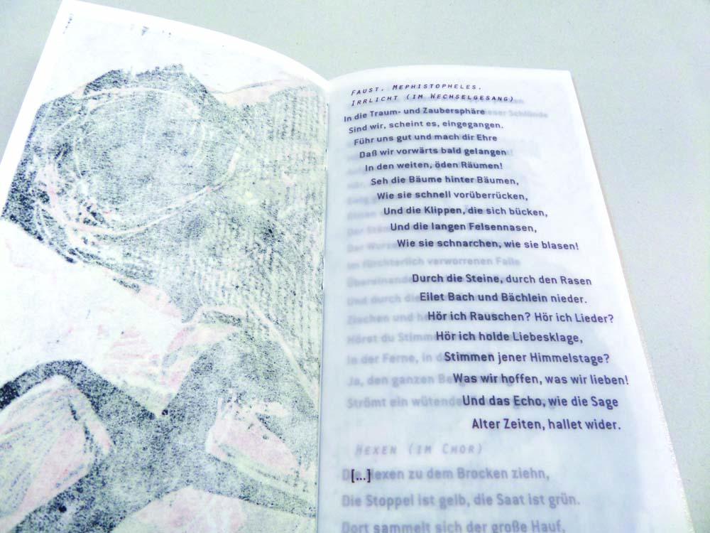 Texte auf Transparentpapier